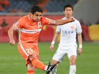 中超-鲁能3-1击败延边 野牛赛季首球姜洪权乌龙