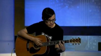 在路上乐团的曲折追梦路 酷炫指弹吉他获嘉宾好评