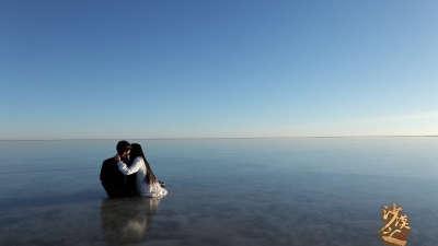 《沙漠之心》爱情版预告片 西部沙漠硬汉飙车粗粝惊现温情