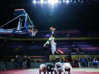 高手在民间 堪比NBA级别的玩家扣篮秀