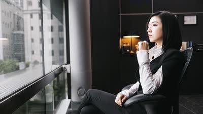 《美好的意外》神曲MV魔性上线秒洗脑 陈坤桂纶镁颠覆形象欢脱MAX