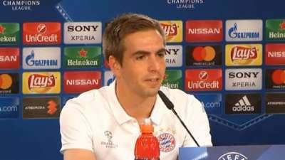 胡梅尔斯能否出场? 拉姆笑言:他来马德里主要为是陪我打牌【中字】