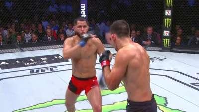 UFC211比赛集锦 次中量级玛雅vs马斯维达尔