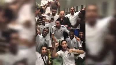 哈维带领萨德夺得卡塔尔超级杯 更衣室内忘情庆祝