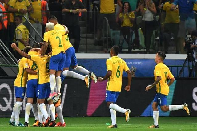 都想在心里帮梅西一把,好助阿根廷挺进世界杯——就像很men的普京总统