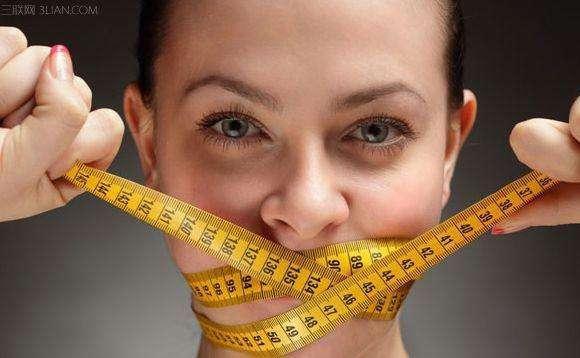 担心聚餐吃太多会胀,吃饭前会刻意饿肚子,就算饥饿也会忍着,其实这都
