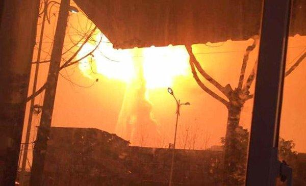 实拍安徽铜陵一化工厂爆炸