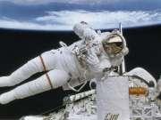 宇航员太空生活