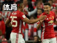 体育+极速100秒:曼联3-2绝杀捧联赛杯 巴萨2-1客胜马竞