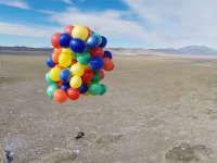 真人版《飞屋环游记》坐着气球上天要与太阳肩并肩