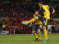 (粤语)英超-吉鲁首发表现平平 双子星轮番破门 阿仙奴2-1客胜米德尔斯堡