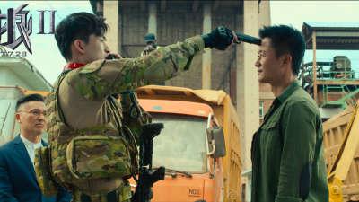 """《战狼2》国际版预告  """"上天入海""""热血开战"""