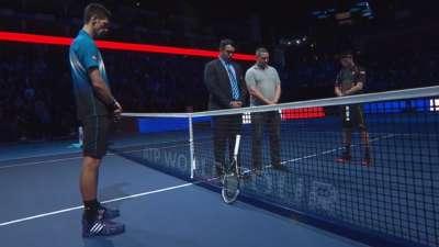ATP年终总决赛揭幕战打响 全场为巴黎事件默哀