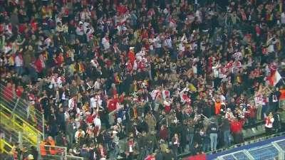 """此刻我们站在一起!摩纳哥远征球迷高呼""""多特蒙德"""""""