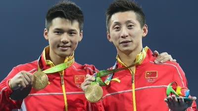 陈艾森实现儿时奥运梦想 直言金牌很重感觉很爽