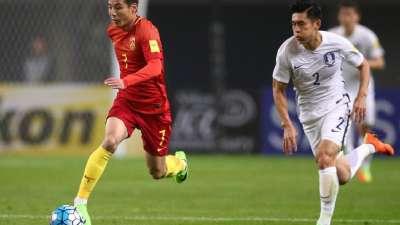 【GIF】武磊中场断球造反击 于大宝错失破门良机