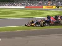 F1英国站FP2集锦:汉密尔顿最快 罗斯伯格故障未跑