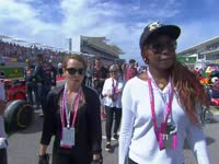F1美国站正赛前:网球名将大威廉姆斯来到赛场