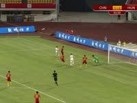 【救险】门线前连续三次解围成功 中国队避免半场两球落后