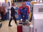 德国工业展会上的自动弯管机,这效率你觉得高吗?