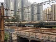太原火车站:大同开往运城的K7807次火车快速通过