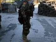经典战术动作:后脚跟辅助手枪单臂上膛