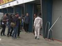 """F1澳大利亚站排位赛 汉密尔顿一个人的""""前三""""合影"""
