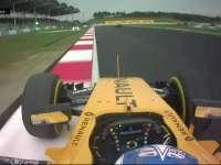 F1马来西亚站排位赛Q1:帕默尔失误冲上草地
