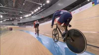 无与伦比的极限冲刺 荷兰选手最后200米70km/h过线