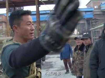 """[视频]《战狼2》曝坦克漂移特辑 吴京亲身上阵""""漂到漏油"""""""