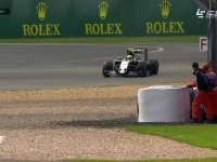 F1英国站正赛:佩雷兹打滑冲出赛道
