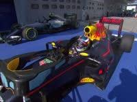 F1马来西亚站正赛:里卡多夺冠后激动万分跳车庆祝