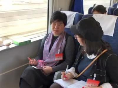 红网时刻新闻记者采访全国人大代表黄小玲