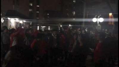 【庆祝】厉害了我的国!上海体育学院学生高唱国歌庆祝胜利