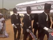 别样葬礼!加纳举办抬棺人舞蹈派对悼念逝者