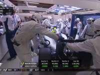 F1新加坡站正赛:博塔斯被推回车房退赛