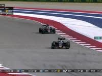 F1美国站正赛:马萨左前胎爆胎