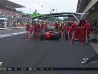 F1墨西哥站正赛:罗斯伯格进站卡在红牛身前