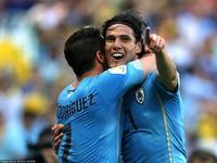 队长卢加诺造点 卡瓦尼罚中乌拉圭一球领先