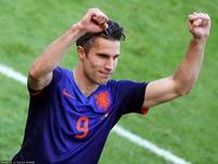 范佩西禁区内劲射破门 荷兰2-2再次扳平比分
