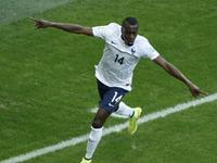本泽马妙传马图伊迪进球 法国2-0梦幻开局