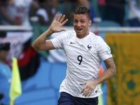 吉鲁接角球头球首开纪录 法国1球领先瑞士