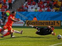 罗本助攻德佩推射破门 荷兰2-0智利奠定胜局
