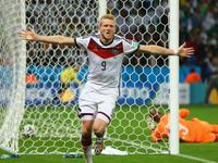 许尔勒脚后跟怪异破门 德国队1-0取得领先