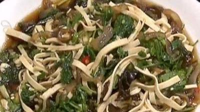 海蜇拌荠菜的制作