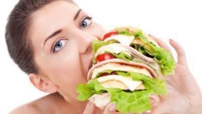 暴饮暴食能导致脏器衰竭 吃货入口前需谨慎