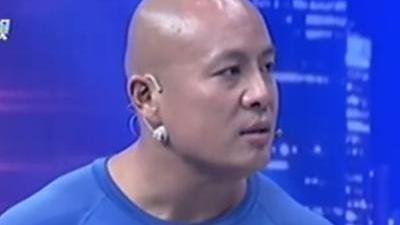 中国第一大力士 生吃蜈蚣水蛭蜜蜂