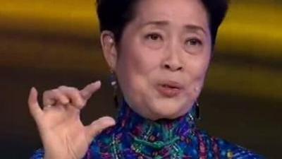"""""""刘三姐""""揭秘自己的传奇爱情 娘子军后代讲述母亲革命经历"""