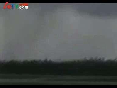 飞机被雷电击中瞬间_百度影视