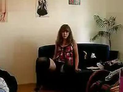 美女穿性感齐p小短裙 热舞自拍玩诱惑